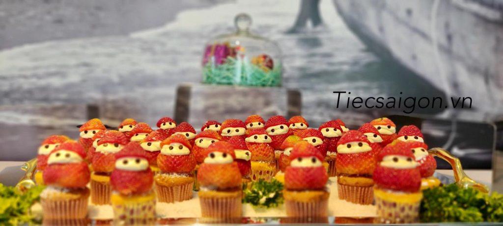 dat-tiec-buffet-gia-re-o-quan-2