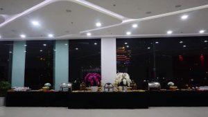 tiệc buffet tại nhà